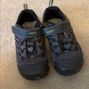Keens Boys Size 12 Chandler CNX Shoes